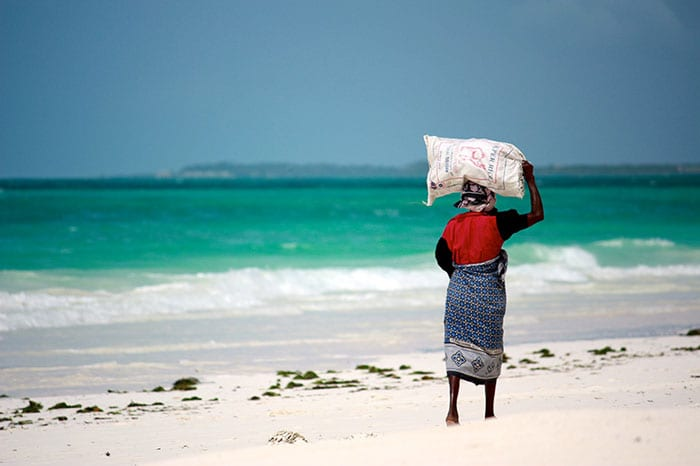 Lastenträger - Kitesurfen auf Sansibar