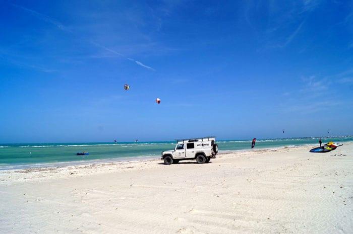 Djerba Kitereisen: Kitesurfen in Zarzis