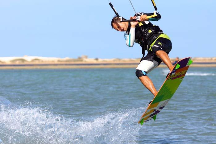 Kitesurfen lernen: Frontroll beim Kiten