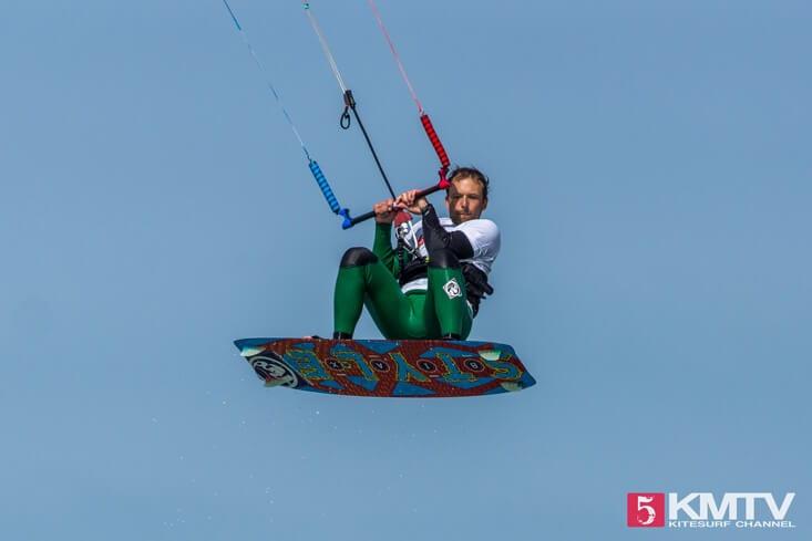 Springen beim Kiten - Kitesurfen lernen