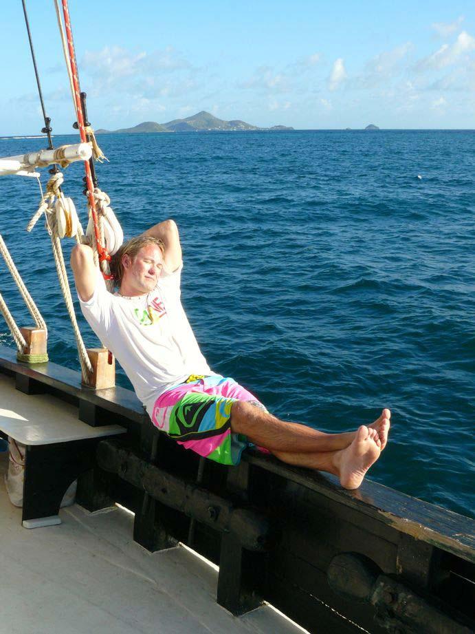 Kitereisen Union Island - Kitesurfen mit Jeremie Tronet - Sunbathing