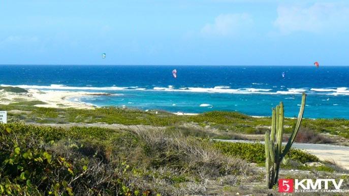 Kitereisen Aruba: Kitesurfen in der Karibik