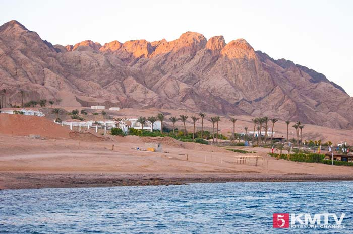 Rotes Gebirge Dahab: Kitesurfen am Harry Nass Center
