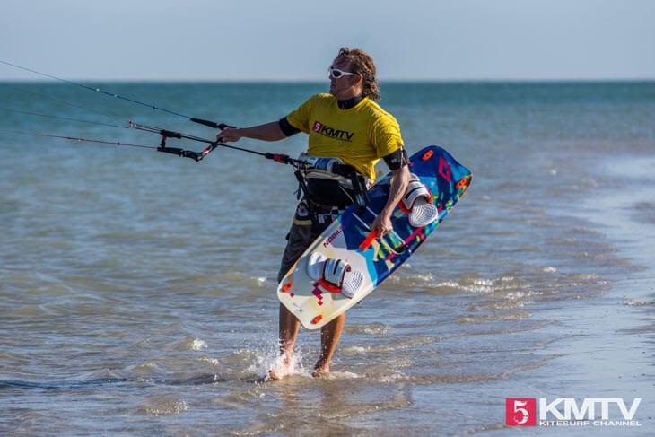 Optimales Schulungsrevier zum Kitesurfen lernen mit flachem Wasser