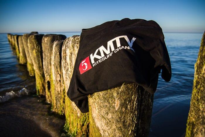 Gewinne ein KMTV Travel Shirt