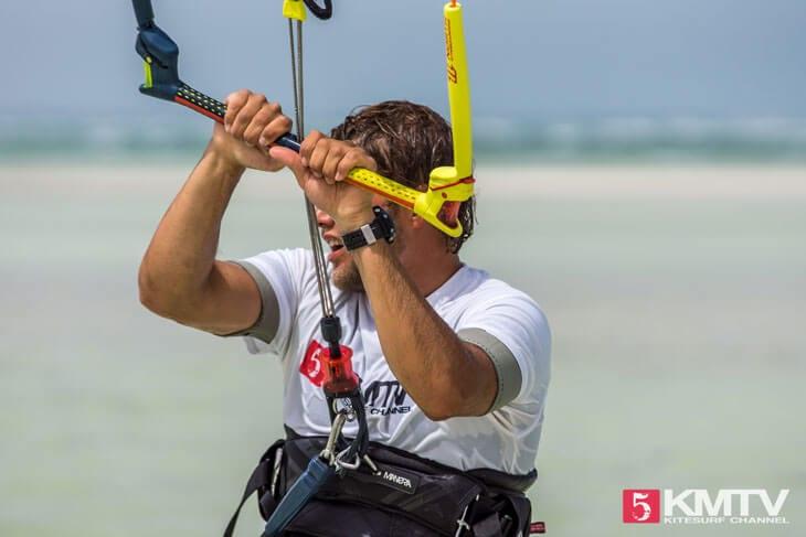 Kitesteuerung und erste Meter fahren beim Kiten