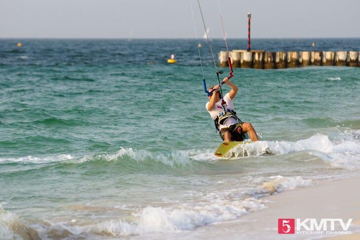 Kitereisen Dubai – Kitesurfen in der Stadt der Superlative