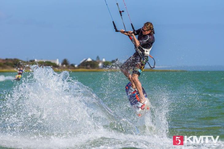 Welche Ausrüstung braucht man zum Kitesurfen?