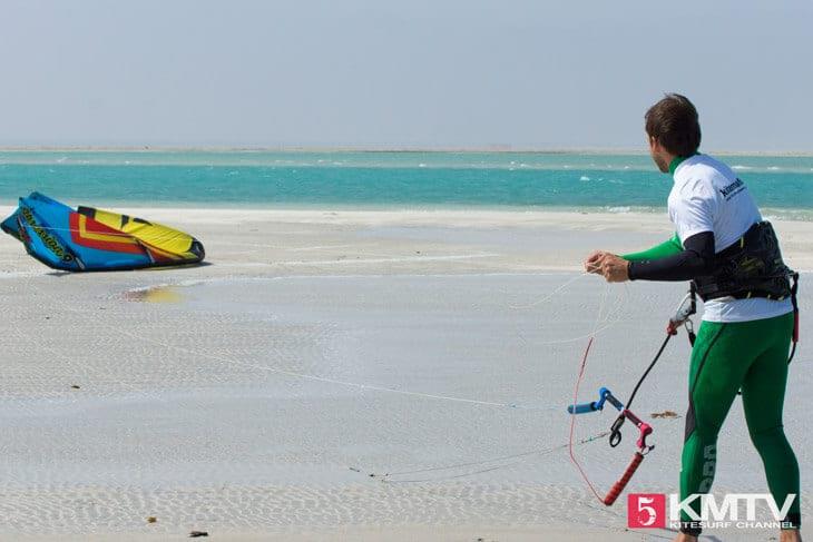 Kite ohne Helfer selber starten – Tipps und Video zum Erlernen by kitereisen.tv