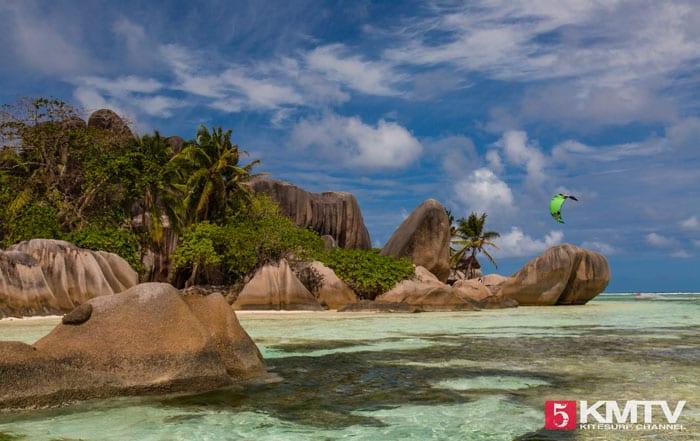 Seychellen Kitesurfen – Kitereisen in die traumhafte Inselwelt