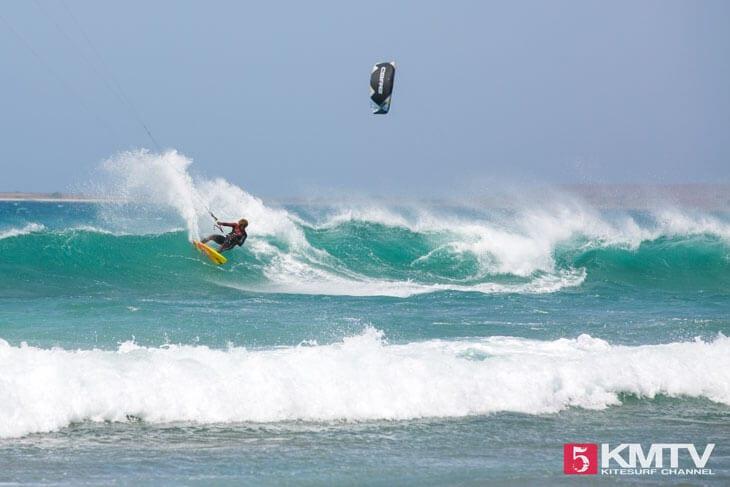 Mitu Monteiro am Canoa / Monte Leao - Kitereisen und Kitesurfen Sal Kapverden
