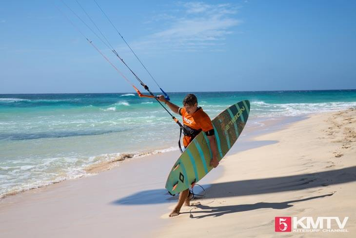 Denis am Ponta Sino- Kitereisen und Kitesurfen Sal Kapverden