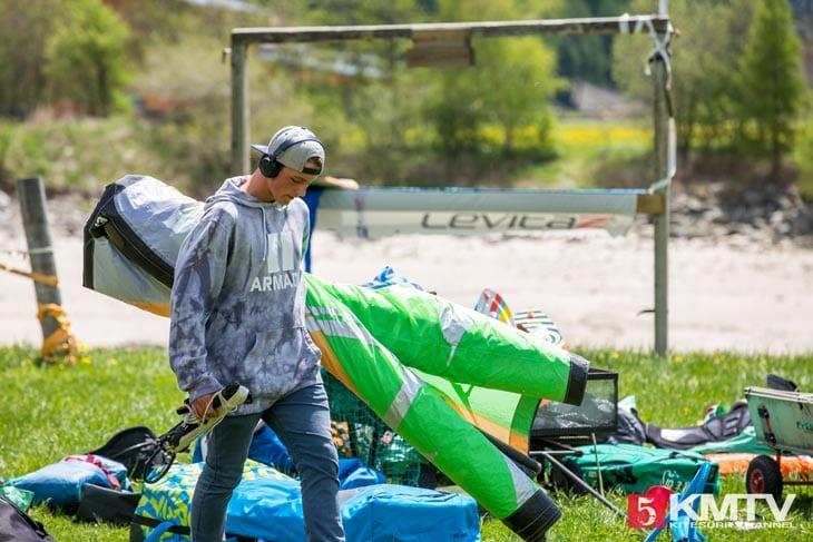Locals am Kitespot - Kitereisen Reschensee by kitereisen.tv