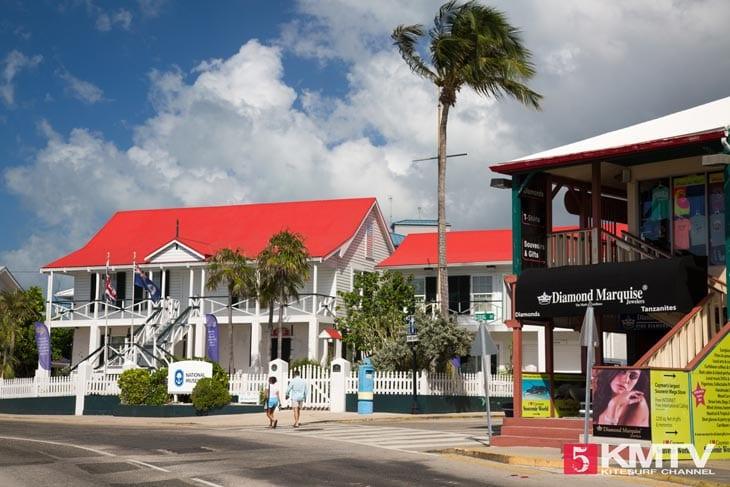 George Town - Cayman Islands Kitesurfen und Kitereisen