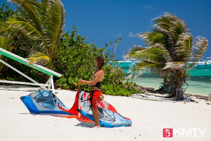East End Kitespot - Cayman Islands Kitesurfen und Kitereisen