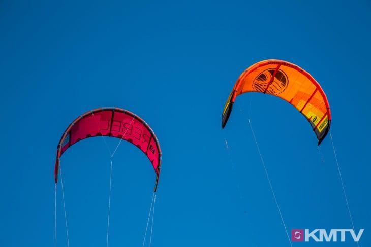 Kitespot Valledoria - Sardinien Kitereisen und Kitesurfen