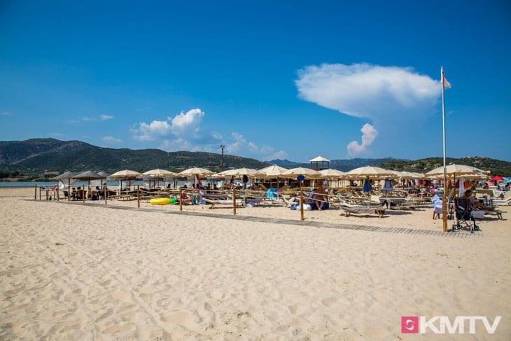Kitespot Chia - Sardinien Kitereisen und Kitesurfen