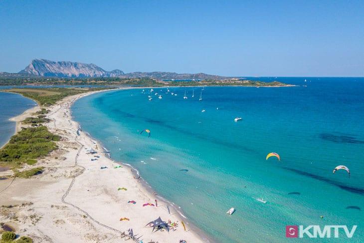 Kitespot La Cinta - Sardinien Kitereisen und Kitesurfen