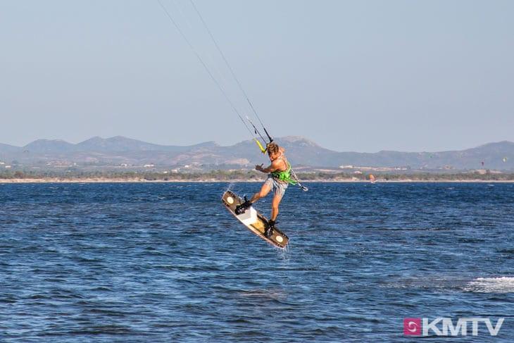 Kitespot Porto Botte - Sardinien Kitereisen und Kitesurfen
