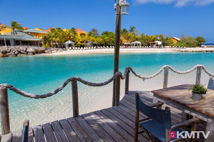 Hemmingsway Beach - Curacao Kitereisen und Kitesurfen