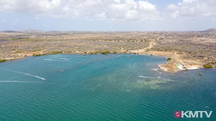 Kitespot Sint Joris Baai - Curacao Kitereisen und Kitesurfen