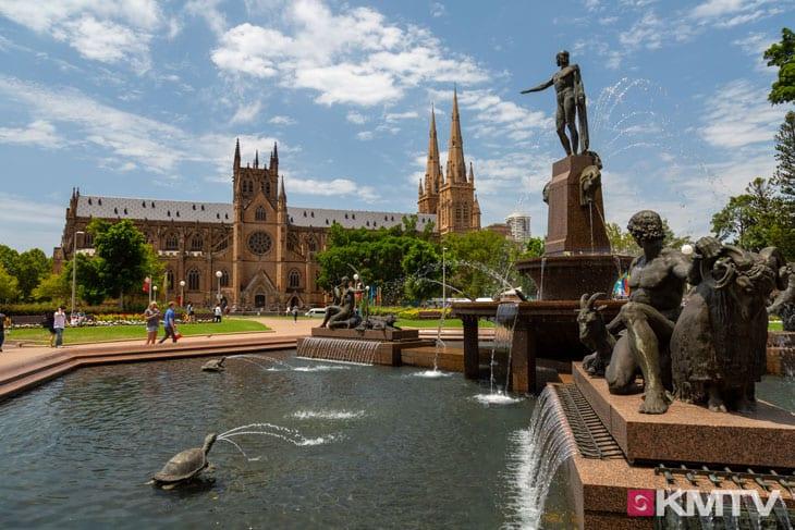 Saint Mary´s Cathedral Hyde Park - Sydney Kitesurfen und Kitereisen
