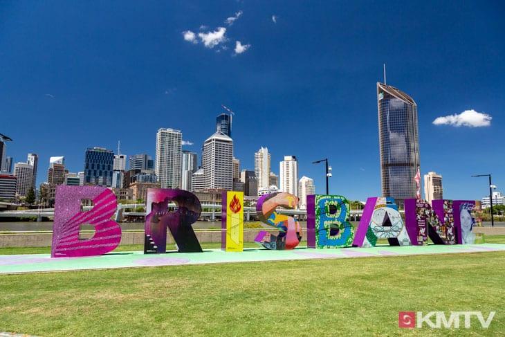 Brisbane Schrift - Brisbane Kitereisen & Kitesurfen