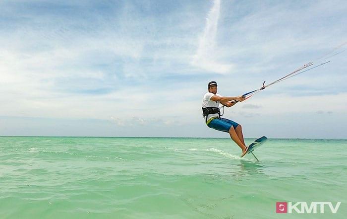 Up- und Downwind - Foilen lernen beim Kiten