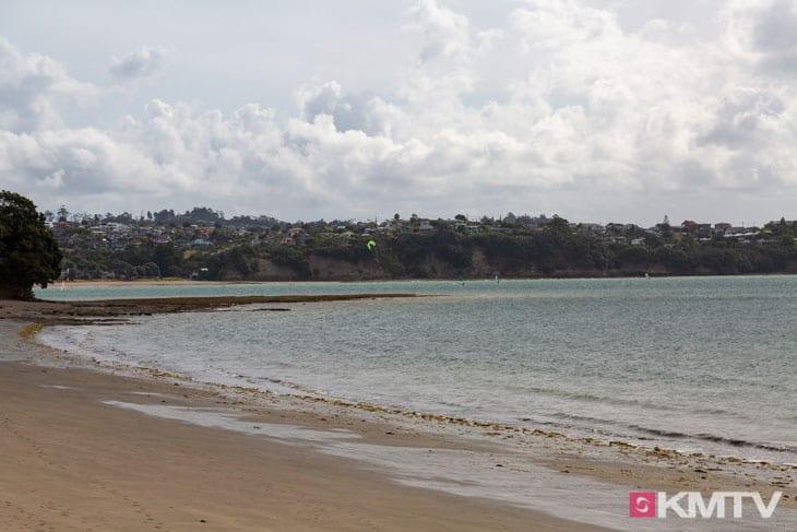 Kitespot Tindalls Beach - Auckland Kitereisen & Kitesurfen