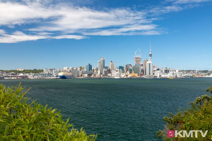 Skyline - Auckland Kitereisen & Kitesurfen