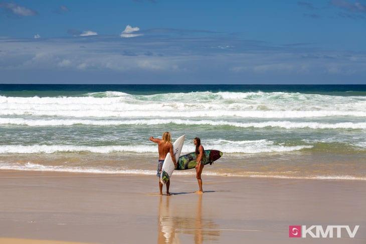 Wellenreiten - Surfers Paradise Kitereisen & Kitesurfen