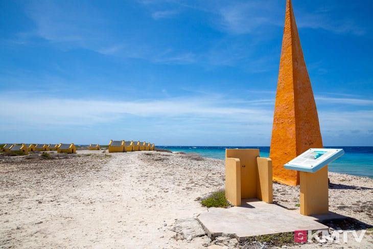 Gelbe Slave Huts - Bonaire Kitereisen & Kitesurfen