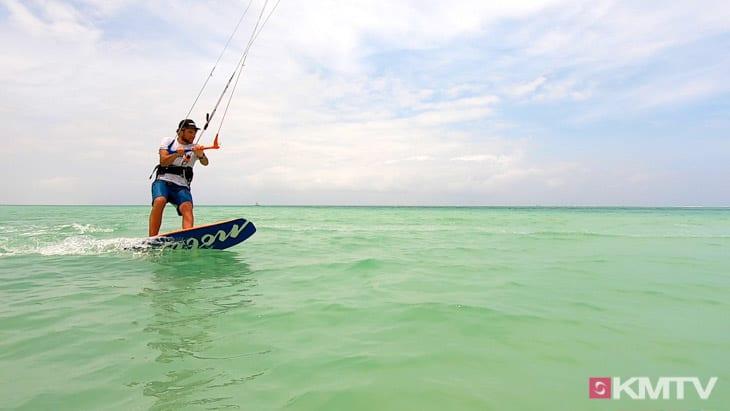 Wende aus dem Switch - Foilen lernen beim Kiten